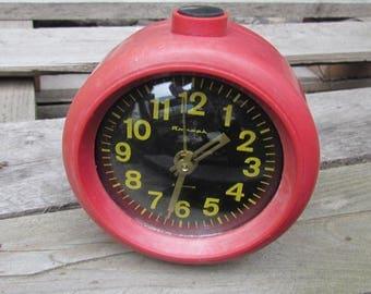 Vintage alarm clock Mechanical clock Soviet alarm clock WORKING Clock Soviet clock Retro Alarm Clock Retro Clock collectible clock Jantar