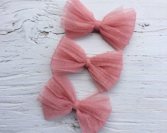 Dusty pink pleated bow