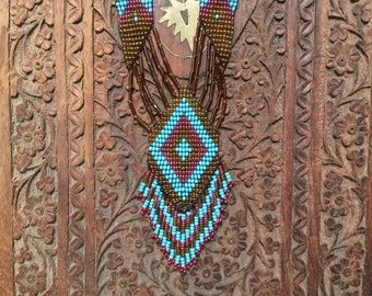Vintage hand beaded Native American necklace & earring set