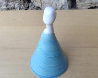 ceramic sculpture: the woman in blue dress
