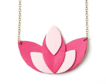 Pia pink necklace