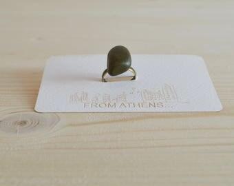 Green natural stone ring - bronze