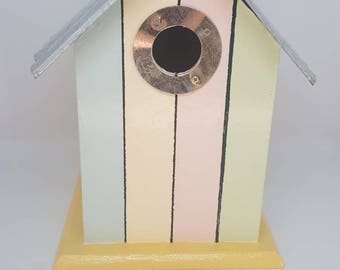 Bird House Beach Hut Theme
