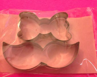Mustache cutter and bow tie cutter. Fondant cutter.  Cookie cutter. Mustache cookie cutter set