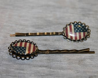 PIN in antique bronze American flag resin