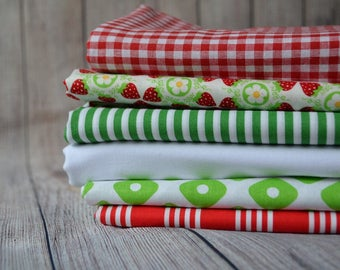 Cotton Fabric Bundle,Bundle of 6 Fabrics,Red, Green White Color Fabric,Patchwork Fabric,Half Yard