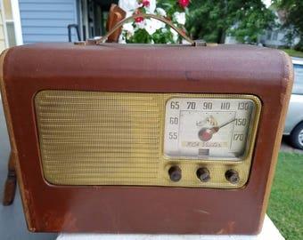 Vintage 1942 RCA Victor tube radio, Works!!!