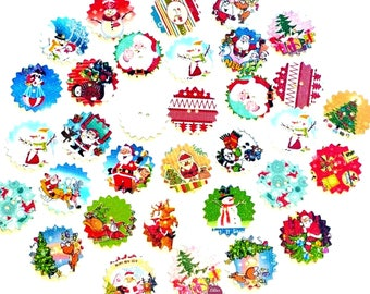 9 buttons round scalloped Christmas wooden painted 2.4 cm - 2 holes