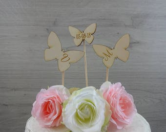 "cake topper ""butterflies"" with initials and date / love / wedding"
