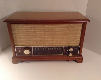 Zenith AM/FM Radio, WORKS, Model K731, Long Distance, 1950s, In Good Condition