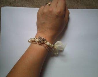 beautiful bracelet ecru and white Panther