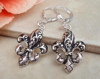 Fleur De Lis Dangle Earrings.Metal Earrings.Silver.Paris.Art.Dainty Earrings.Statement.Bridal.Drop Earrings.Small.Delicate.Gift. Handmade.