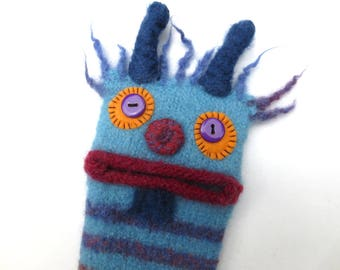 """Smartphone Monster """"Frederic"""", felted, cell phone pocket, sleeve, iPhone 6 plus, mobile monster, felt, wool, case, felted, edge Galaxy S 6 +."""