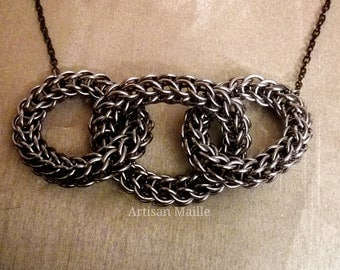 Chainmaille infinity necklace