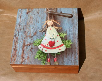 wooden box angel, casket angel with heart, keepsake box, jewerly box, treasure chest, fairytale gift