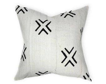 Mudcloth Pillow Cover, African Mud Cloth | Cream and Black | Amina