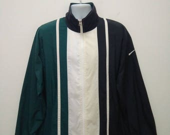 Vintage NIKE Windbreaker Jacket Large Size