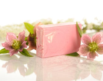 Natural Handmade Soap with Shea Butter - Water Lily Fragrance