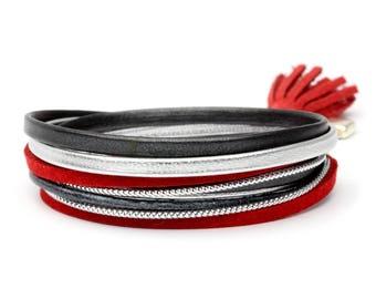 Red bobble bracelet