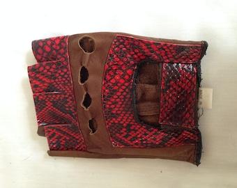 Left 1980's Leather Fingerless Glove