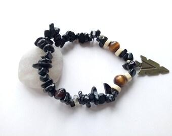 Elastic bracelet mixed natural stones - Black Onyx - Tiger eye - arrow - tumbled stones - wood - Tribal - black and Brown