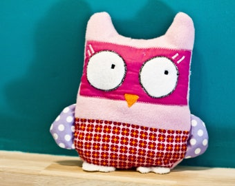 Plush OWL Eglantine rose