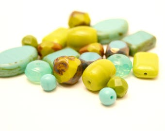 20 beads, Turquoise, blue, Khaki, Czech glass