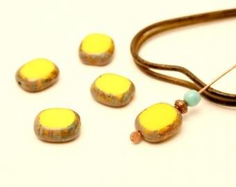 4 beads yellow beads 14 x 12 yellow Antique beads, antique beads, Czech glass Perle