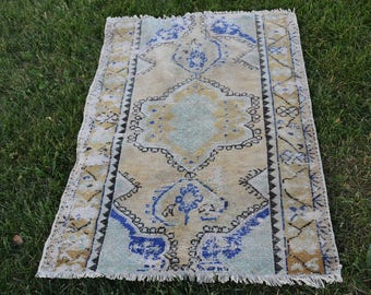 Free Shipping Pale Color Small Area Rug Turkish Vintage  Rug 2.7 x 4.1 feet Aztec Rug Boho Rug Kilim Rug Ethnic Rug Wool Rug Code271