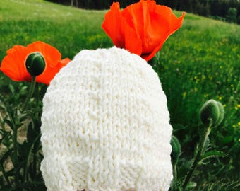 Total white merino wool knit hat created very simple. Free shipping in Italy.
