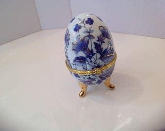 Blue trinket egg