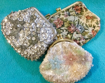 Vintage Coin Purse Sequin Coin Purse Tapestry Coin Purse Delill Coin Purse Floral Coin Purse Rose Tapestry Seed Bead Coin Purse Small Purse