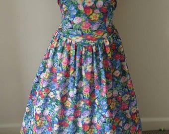 Vintage 1970s floral full circle dress