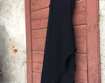 Long black sartorial dress in silk crepe