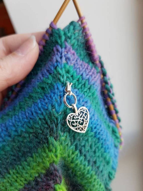 Cheap gifts for knitters - heart shaped filigree charm, removable lightweight progress keeper ...