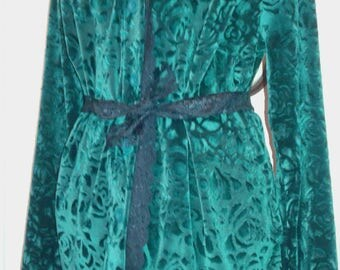 Long green patterned velvet blouse