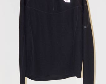 THE NORTH FACE black long-sleeved tee