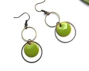 Sequin enamelled green anise and lime green sequin earrings ♦ brass rings earrings