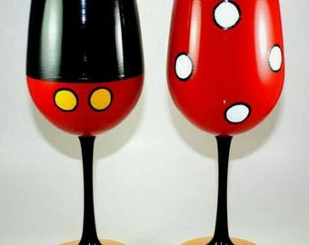 set of 2 Mickey Mouse wines glasses
