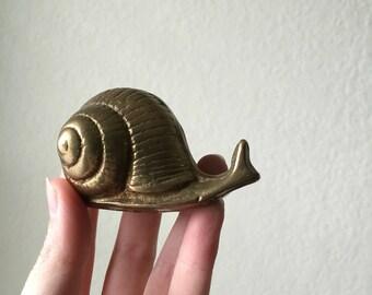 Vintage Brass Snail- Snail Paperweight- Small Brass Snail- Brass Snail Statue- Brass Decor- Vintage Brass Figurine- Brass Bugs- Cast Bronze