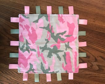 Pink (Girl) or Blue (Boy) Camo Baby Ribbon/Tag Blanket