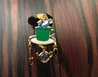 Disney WDW Grand Floridian Logo Mini Alice in Wonderland Tea Cup Dangle Pin
