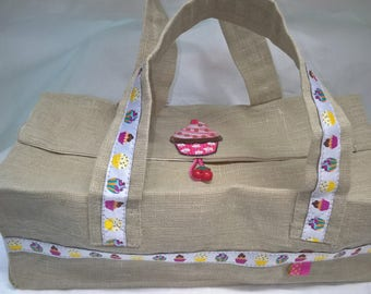 Cake in linen/cotton bag