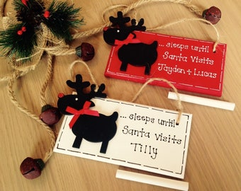 Personalised Christmas Countdown Plaque Advent Sleeps Until Santa Visits Sign Red White with Chalkboard Reindeer and chalk