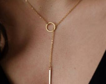 Simple, modern hoop and bar necklace