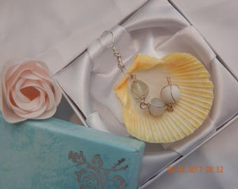Seashell pendant with beads