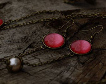 Beige pearls and dangling Pearl coral cabochon earrings