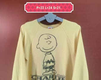 Vintage Peanuts Sweatshirt Charle Brown Printed Shirt Jumper Yellow Colour Size S Nike Sweatshirts Polo RL Sweatshirts Animation Sweatshirts