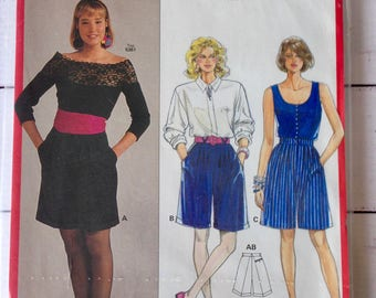 Burda 5386 Long walking shorts pattern, Circa 80s, pleated front, with side and back pockets, cuffed shorts, Sizes 10, 12, 14, 16, 18