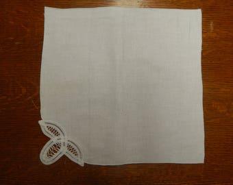 Linen Napkin w/Lace